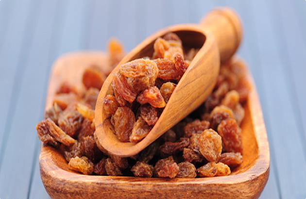 Suvo grozdje,riznica zdravlja, čisti jetru ,štiti od prehlade ,pomaže kod anemije….