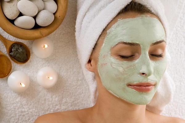Napravite sami maske za lice koje vraćaju vlažnost vaše kože…