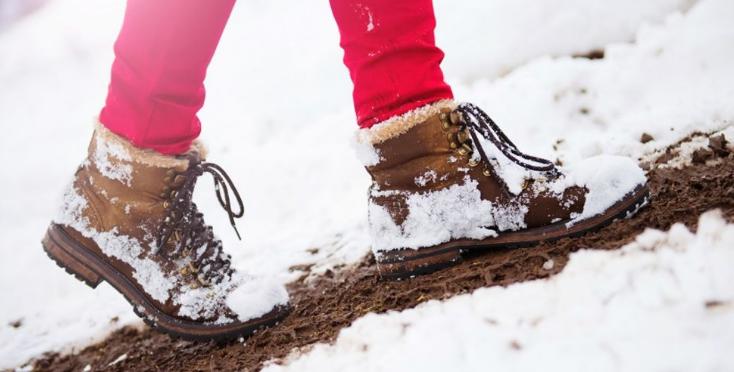 Stari srpski trik kako da obuća ne propušta sneg i kišu: Mokre čarape i ozeble noge postaće prošlost